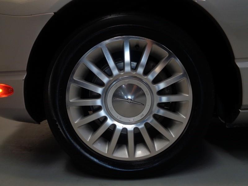 Ford Thunderbird 2005 price $14,495