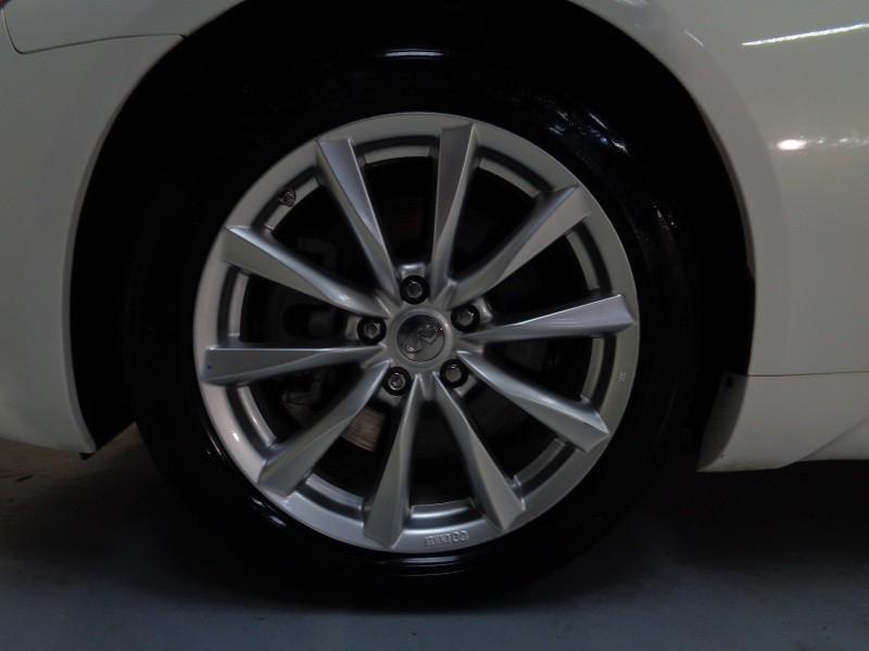 Infiniti G37 Convertible 2011 price $17,795