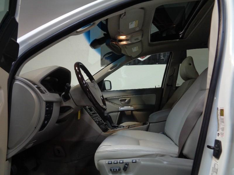 Volvo XC 90 2006 price $8,995