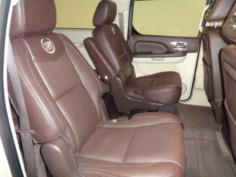 Cadillac Escalade ESV 2011 price $17,995