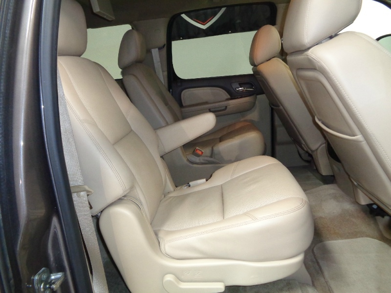 GMC Yukon XL 2013 price $17,995
