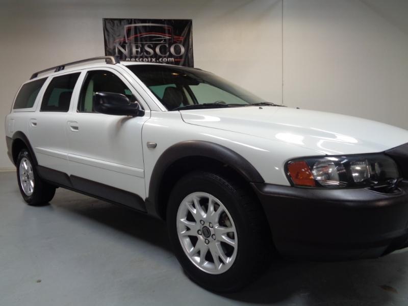 Volvo XC 70 2004 price $4,795