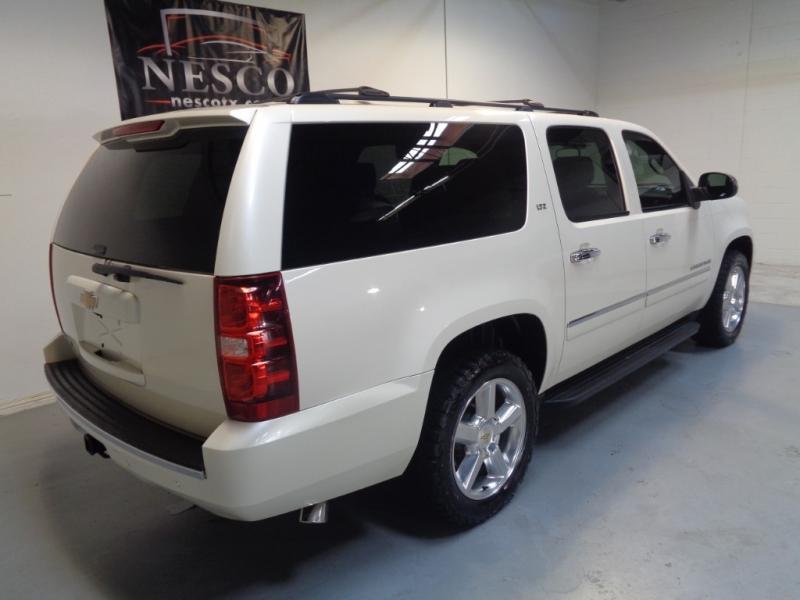 Chevrolet Suburban 2013 price $17,995