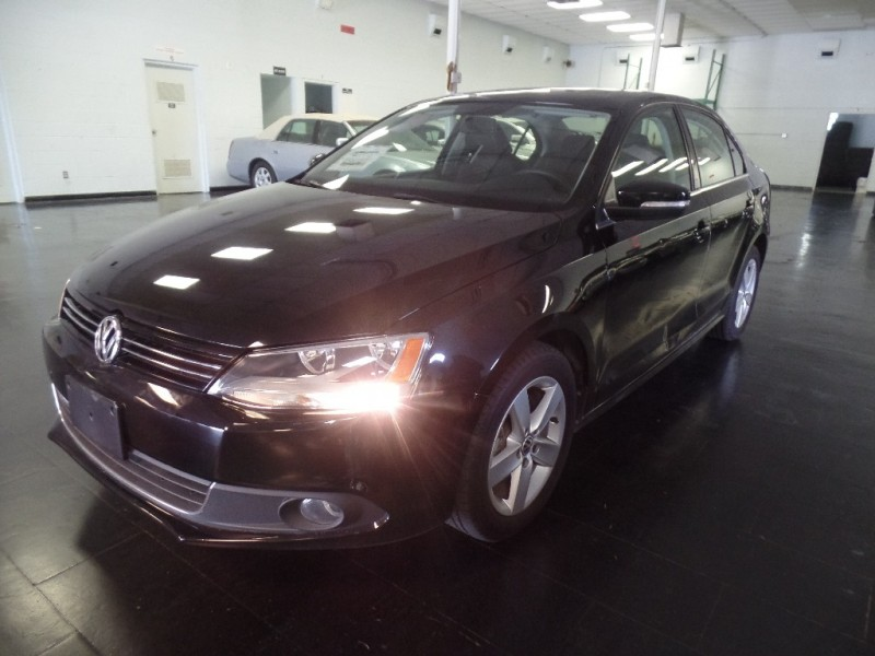 Volkswagen Jetta Sedan 2011 price $11,995
