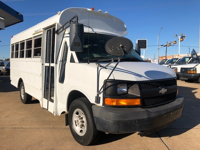 Chevrolet Express Commercial Cutaway 2005 price $12,995 Cash