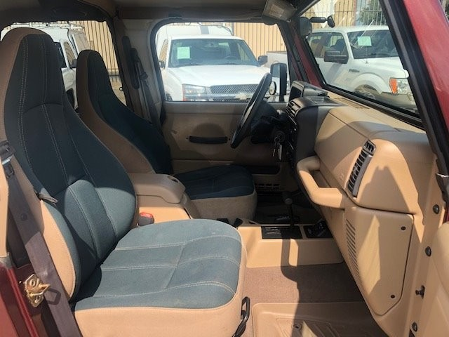 Jeep Wrangler 2001 price $10,995