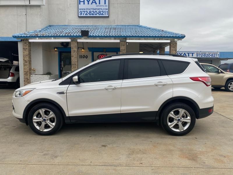 Ford Escape 2016 price $13,995