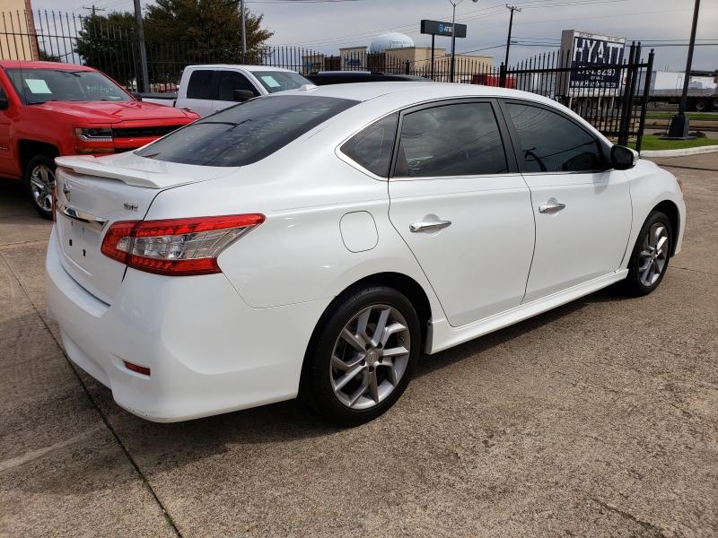 Nissan Sentra 2015 price $12,995