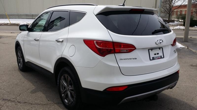 Hyundai Santa Fe 2013 price $14,888