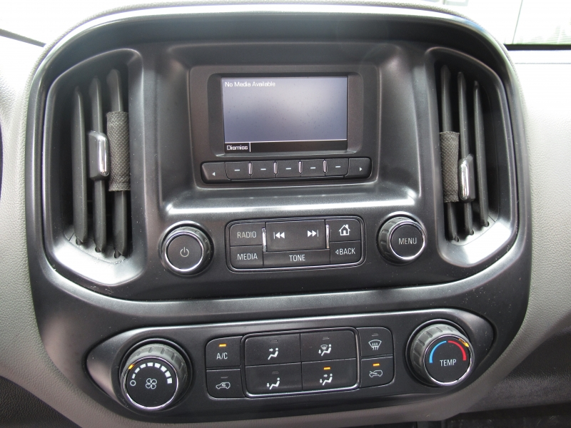 Chevrolet Colorado 2015 price $13,999