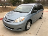 Toyota SIENNA LE 2008