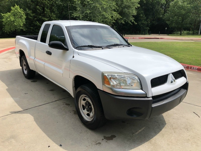 Mitsubishi Raider 2007 price $5,999