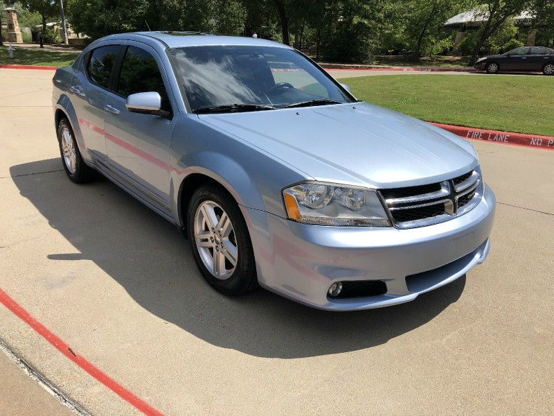 Dodge Avenger 2013 price $9,999