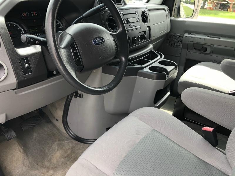 Ford ECONOLINE 15 PASSENGER 2014 price $19,999