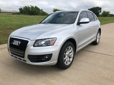2010 Audi Q5 quattro 4dr 3.2L Premium*SUPER SUPER NICE AND EXTREMELY WELL CARED FOR!! BETTER HURRY!!
