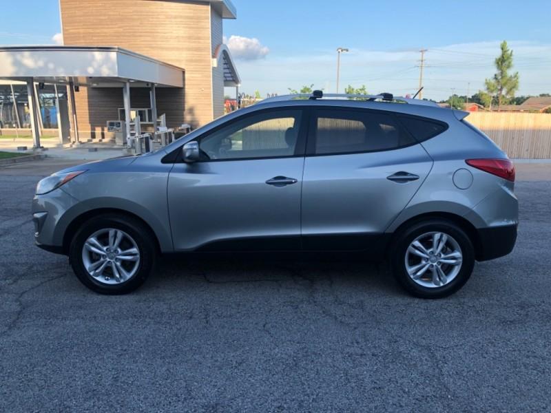 Hyundai Tucson 2012 price $7,998