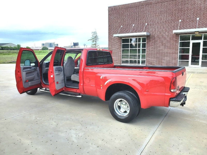 Ford Super Duty F-350 DRW 2001 price $13,998