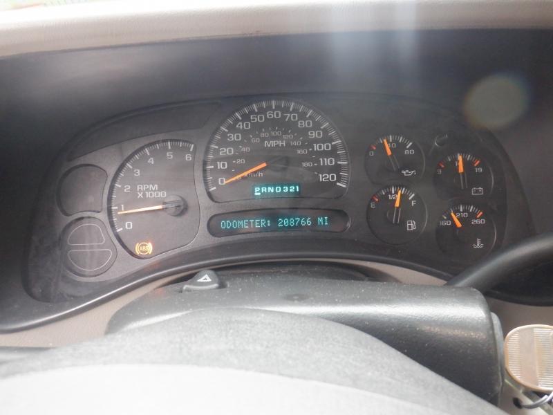 Chevrolet Silverado 2500HD 2005 price $7,500