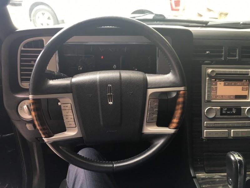 Lincoln Navigator 2008 price $12,995