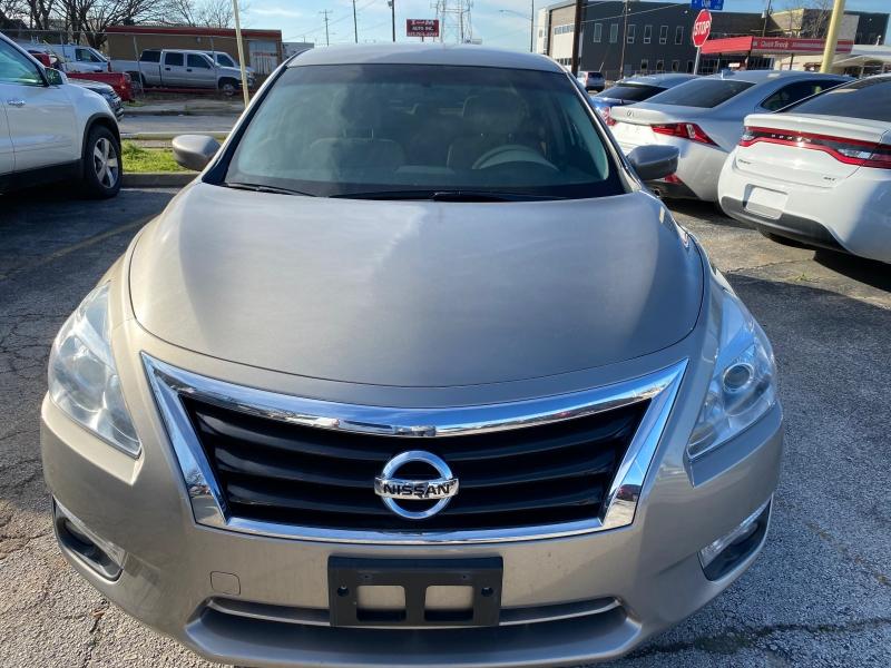 Nissan Altima 2015 price $10,750