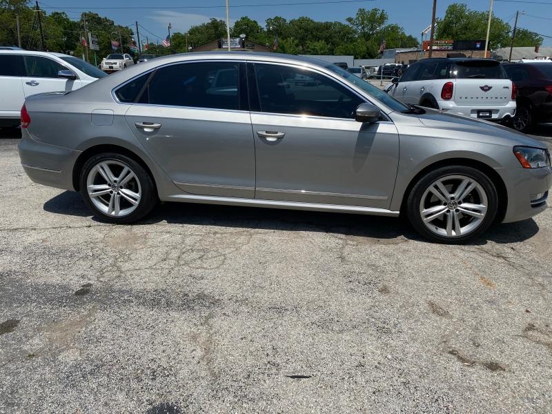 Volkswagen Passat 2012 price $7,600