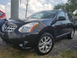 Nissan Rogue SL 2WD w/leather sunroof & bose sound 2011