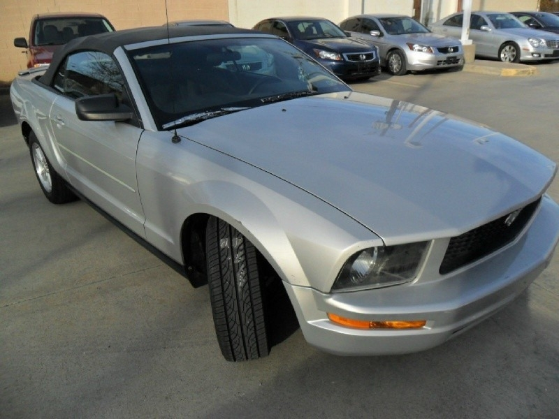 Ford Mustang 2007 price $5,777