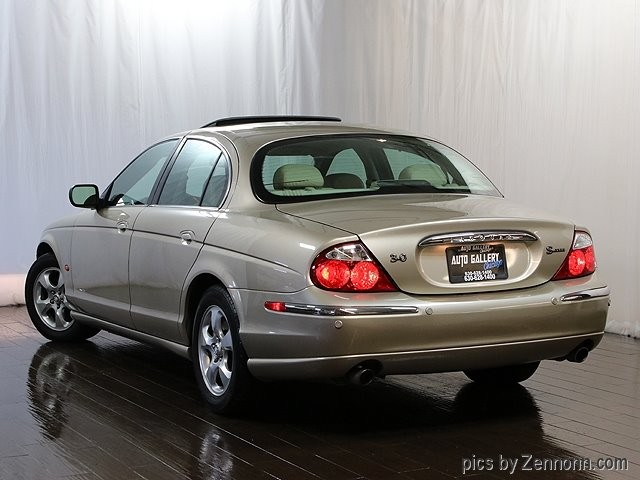 Jaguar S-TYPE 2001 price $4,990