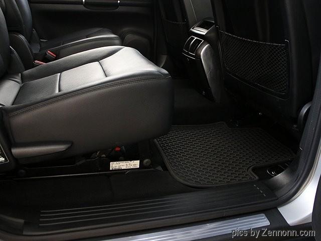Mercedes-Benz R-Class 2011 price $16,990