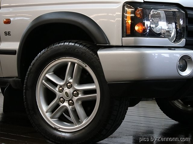 Land Rover Discovery 2003 price $12,990
