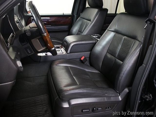 Lincoln Navigator L 2012 price $17,990