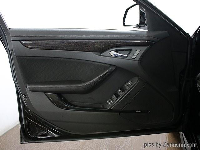 Cadillac CTS-V Sedan 2011 price $29,990