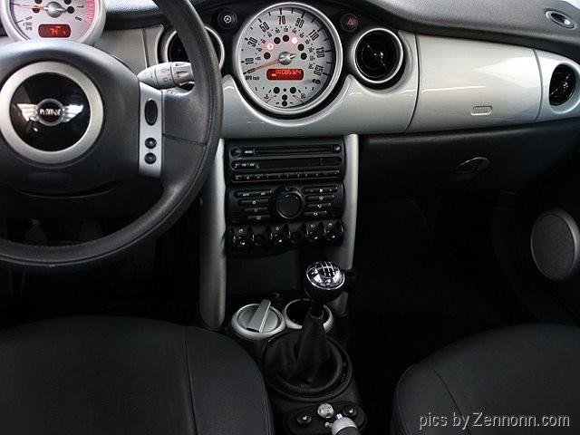 Mini Cooper Hardtop 2004 price $4,990