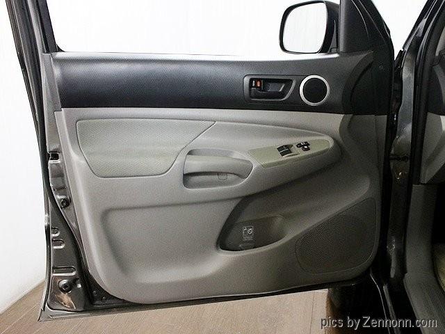 Toyota Tacoma 2011 price $14,990