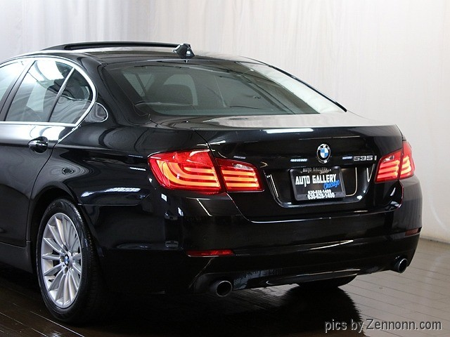 BMW 5-Series 2011 price $12,990
