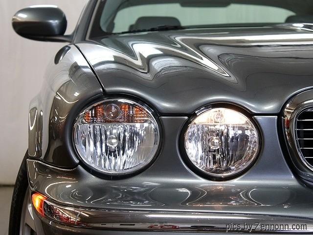 Jaguar XJ 2004 price $10,990