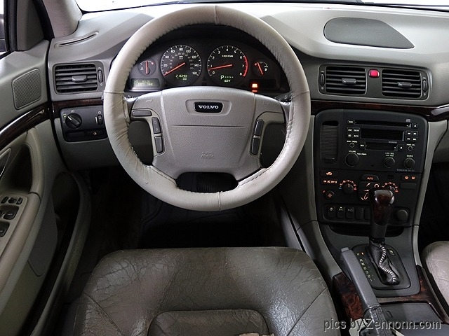 Volvo S80 2000 price $990