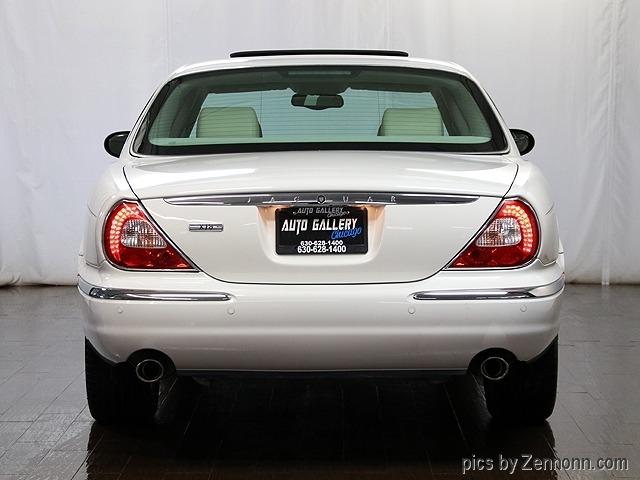Jaguar XJ 2004 price $13,990