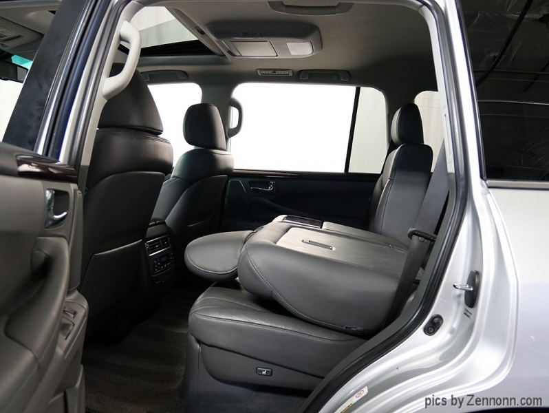 Lexus LX 570 2009 price $28,890