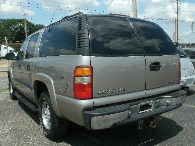 Chevrolet Suburban 2001 price $4,000 Cash
