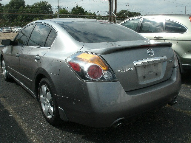 Nissan Altima 2007 price $4,800