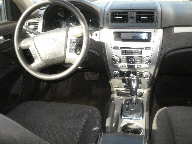 Ford Fusion 2011 price $5,000 Cash