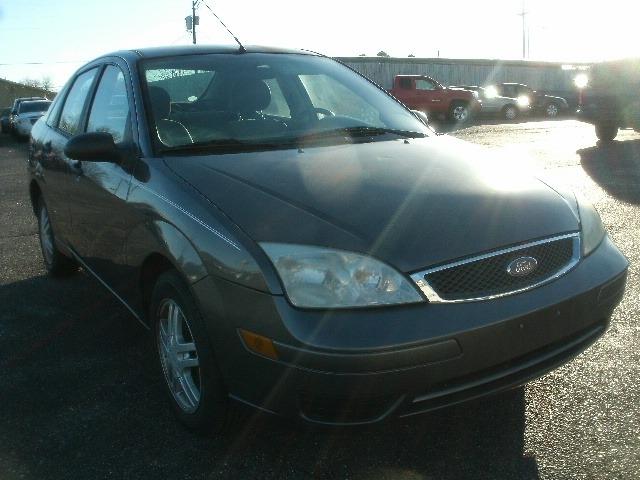 Ford Focus 2006 price $3,200 Cash