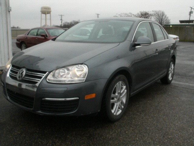 Volkswagen Jetta Sedan 2006 price $5,700 Cash