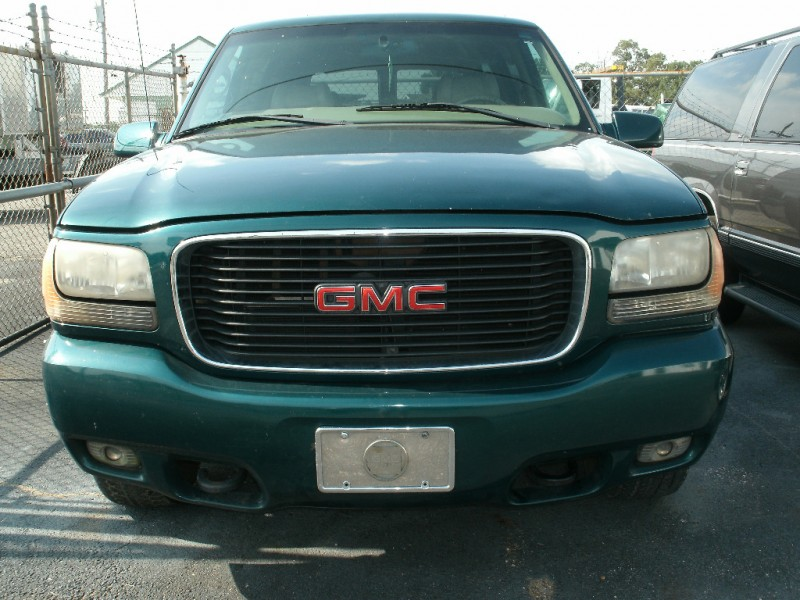GMC Denali 2000 price $3,500 Cash