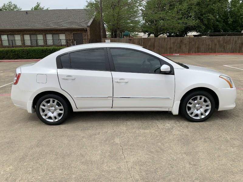 Nissan Sentra 2010 price $4,995