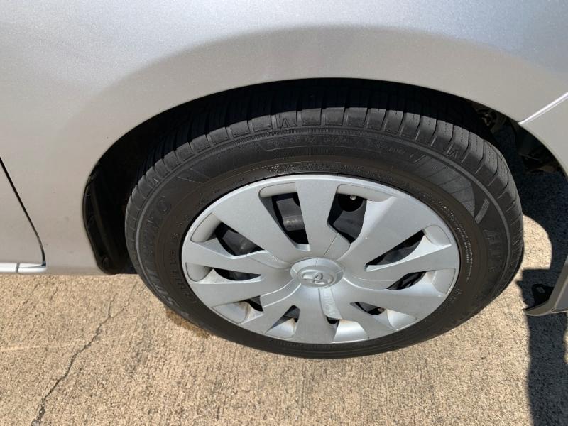 Toyota Yaris 2017 price $10,200