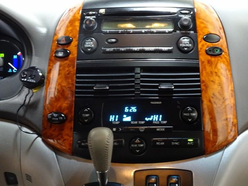 Toyota Sienna 2006 price $8,995