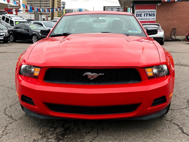 Ford Mustang 2011 price $9,995