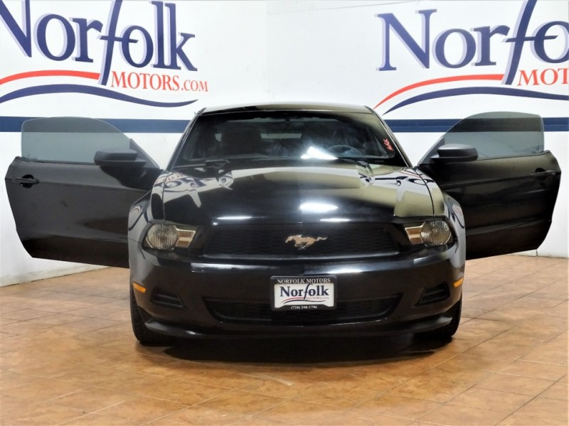Ford Mustang 2012 price $10,900